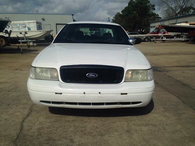 2007 Ford Crown Victoria Police Interceptor 4dr Sedan (3.27 axle) w/Driver and Passenger Side Air Bags - Kemah TX