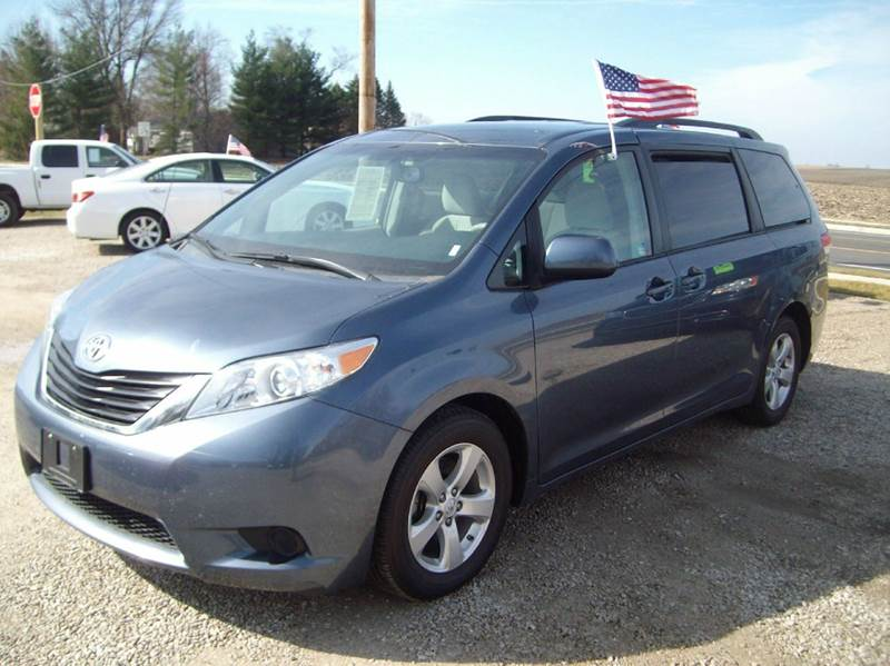 2014 toyota sienna le 8 passenger 4dr mini van in dunlap il dunlap motors. Black Bedroom Furniture Sets. Home Design Ideas