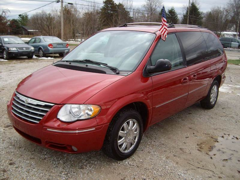 2005 chrysler town and country limited 4dr extended mini van in dunlap il dunlap motors. Black Bedroom Furniture Sets. Home Design Ideas