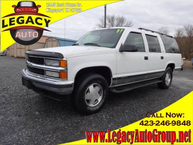 1997 CHEVROLET SUBURBAN LT white power drivers seatleather upholstery3rd row seatspower steerin