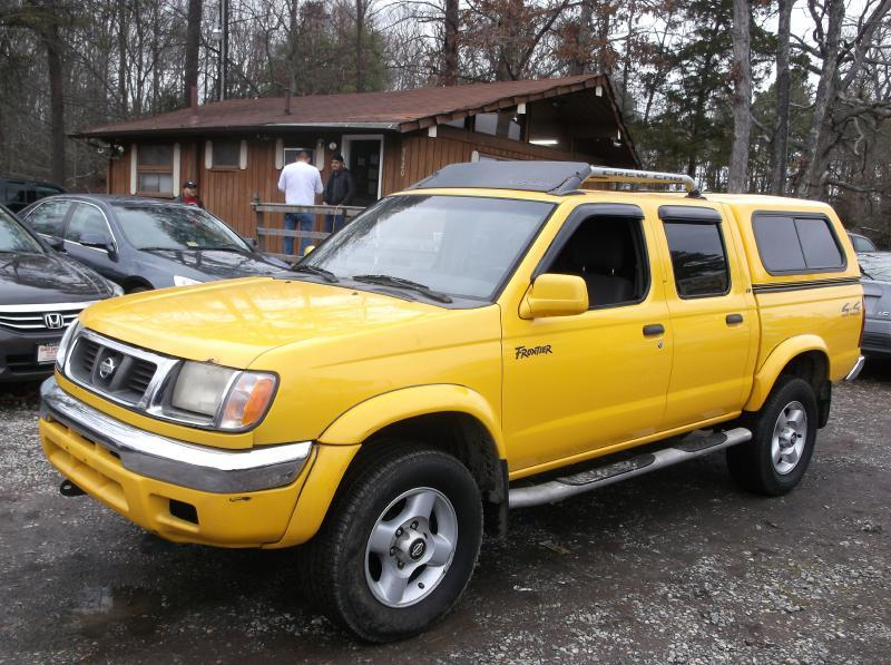 2000 nissan frontier crew cab xe in fredericksburg va select cars of thornburg. Black Bedroom Furniture Sets. Home Design Ideas