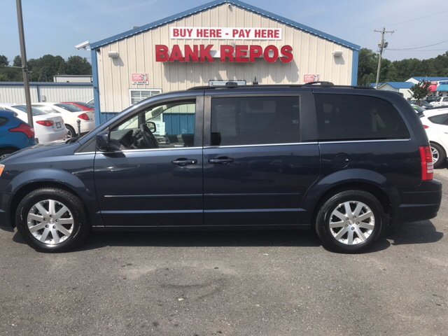 2008 chrysler town and country touring 4dr mini van in winston salem nc auto liquidation direct. Black Bedroom Furniture Sets. Home Design Ideas
