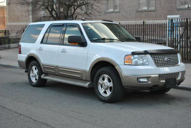 2004 Ford Expedition for sale in Roosevelt NY