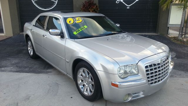 2005 CHRYSLER 300C C silver abs brakesair conditioningalloy wheelsamfm radioanti-brake system