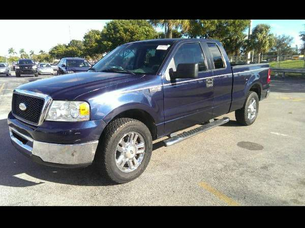 2006 FORD F150 XLT SUPERCAB 55-FT BOX 2WD blue runs greatdue to the miles this vehicle will be s