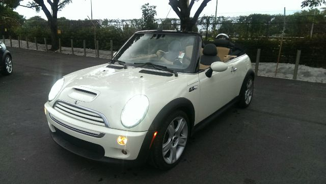 2006 MINI COOPER S CONVERTIBLE white 2 wheel driveconvertible 78363 miles VIN wmwrh33536tk582