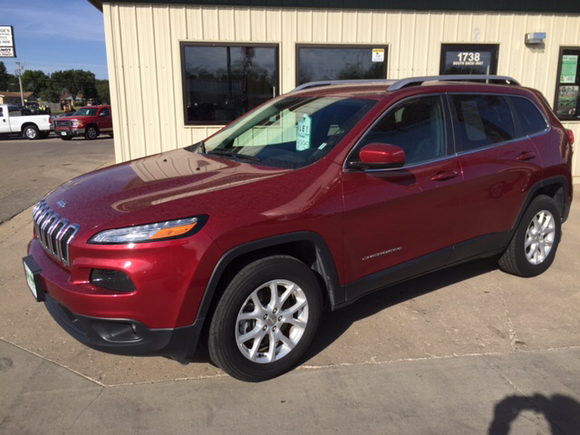 2015 jeep cherokee latitude 4x4 4dr suv in minot nd murphy motors next to new. Black Bedroom Furniture Sets. Home Design Ideas