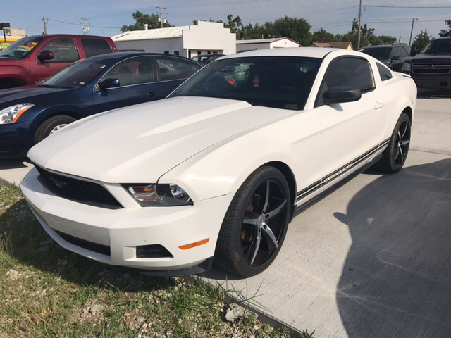 2010 Ford Mustang V6 2dr Coupe - Great Bend KS