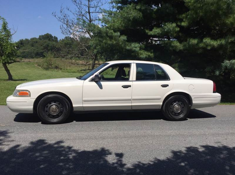 2006 Ford Crown Victoria Police Interceptor 4dr Sedan (3.27 axle) w/Driver and Passenger Side Air Bags - Woodbine MD