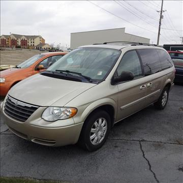 2006 Chrysler Town and Country for sale in Fort Wayne, IN