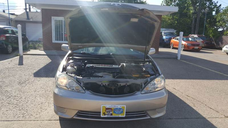 2005 Toyota Camry LE 4dr Sedan - Cleveland OH