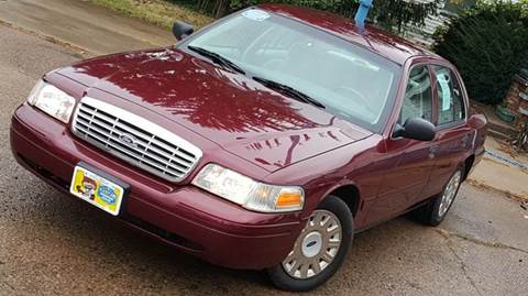 2004 Ford Crown Victoria for sale in Cleveland, OH