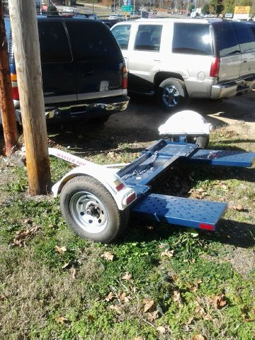 2010 MASTER TOW TOW DOLLY