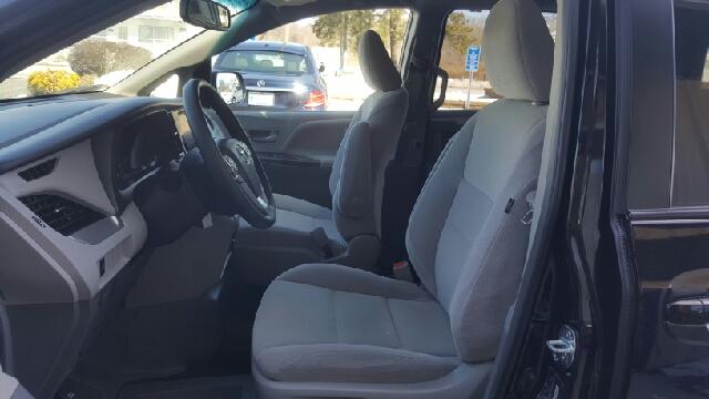 2015 Toyota Sienna LE Mobility 7-Passenger 4dr Mini-Van - Seekonk MA