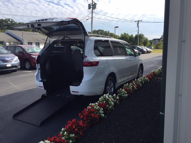 2016 Toyota Sienna LE Rear Entry Wheelchair Van - Seekonk MA