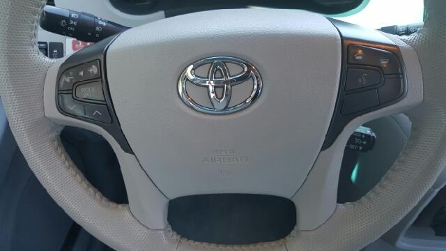2011 Toyota Sienna XLE 8-Passenger 4dr Mini-Van - Seekonk MA