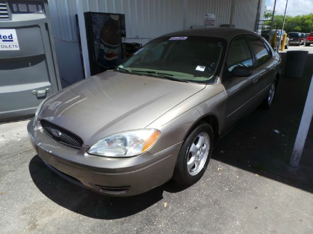 2004 Ford Taurus for sale in Largo FL