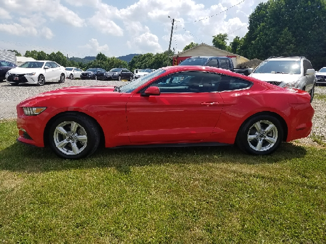 2016 Ford Mustang V6 2dr Fastback - Rocky Mount VA