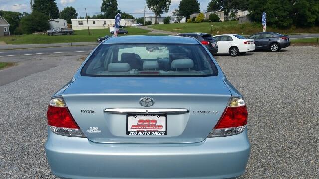 2006 Toyota Camry LE 4dr Sedan w/Automatic - Rocky Mount VA