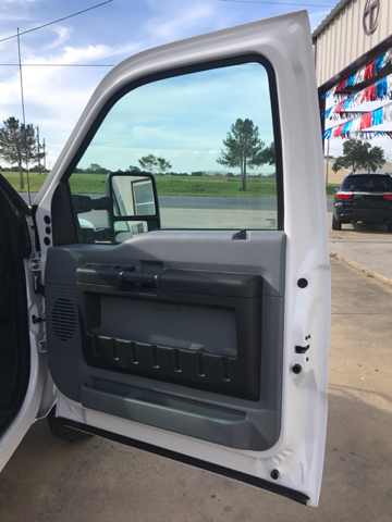 2015 Ford F-350 Super Duty XL 4x4 4dr Crew Cab 176 in. WB DRW Chassis - Gonzales TX