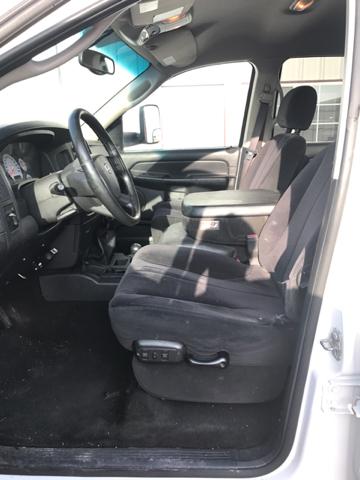 2004 Dodge Ram Pickup 3500 ST 4dr Quad Cab 4WD LB - Gonzales TX
