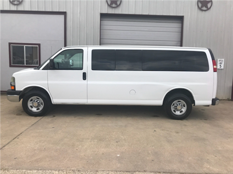 2004 Chevrolet Express Passenger for sale in Gonzales, TX