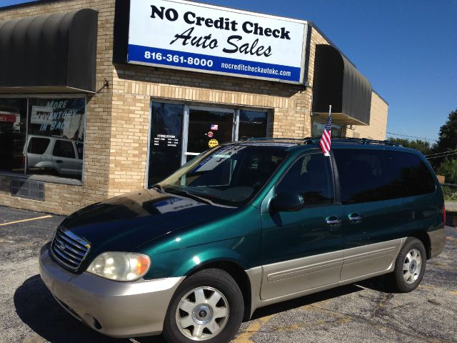 2003 kia sedona ex 4dr minivan in kansas city blue springs bucyrus no credit check auto sales. Black Bedroom Furniture Sets. Home Design Ideas