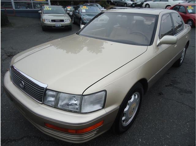 1993 Lexus LS 400