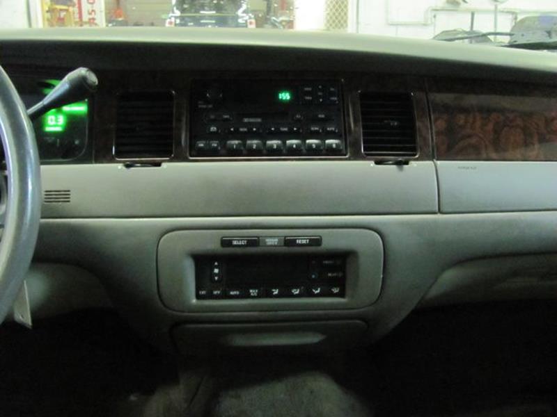 1999 Lincoln Town Car Executive 4dr Sedan - Grant MI