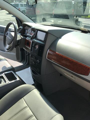 2008 Chrysler Town and Country Touring 4dr Mini-Van - Bristol VA