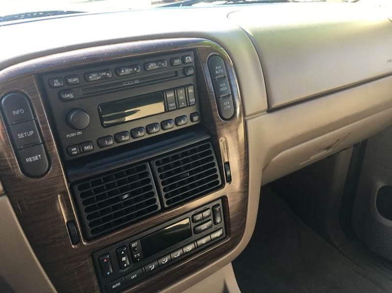 2005 Ford Explorer Eddie Bauer 4WD 4dr SUV - Hoopeston IL