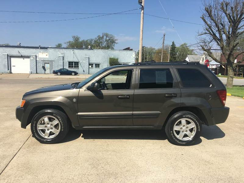 2006 Jeep Grand Cherokee Laredo 4dr SUV 4WD w/ Front Side Airbags - Hoopeston IL