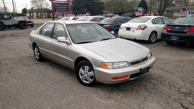 1996 honda accord dx 4dr sedan w value package in heath oh for Platinum motors heath ohio