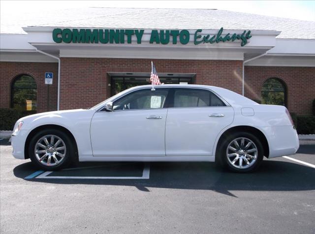 2012 Chrysler 300 for sale in Wildwood FL