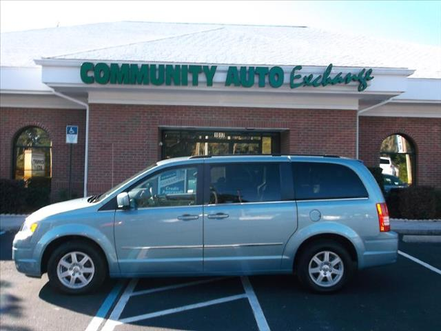 2010 Chrysler Town and Country for sale in Wildwood FL