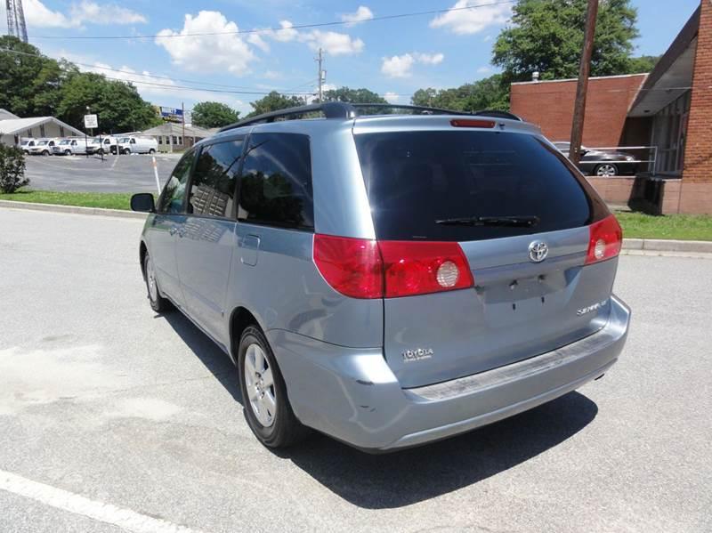 2008 Toyota Sienna LE 7-Passenger 4dr Mini-Van - Atlanta GA