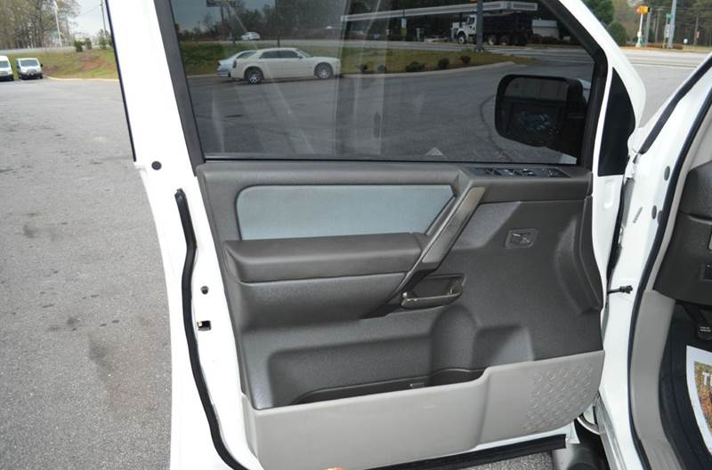 2004 Nissan Titan 4dr Crew Cab LE 4WD SB - Anderson SC