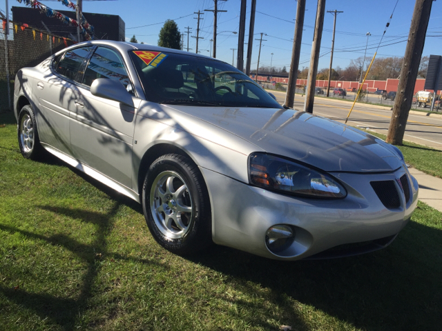 2006 Pontiac Grand Prix Base 4dr Sedan - Cleveland OH