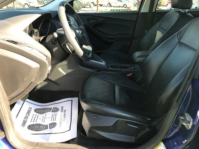 2012 Ford Focus SE 4dr Hatchback - Cleveland OH