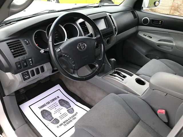 2007 Toyota Tacoma V6 4dr Access Cab 4WD 6.1 ft. SB (4L 5A) - Cleveland OH