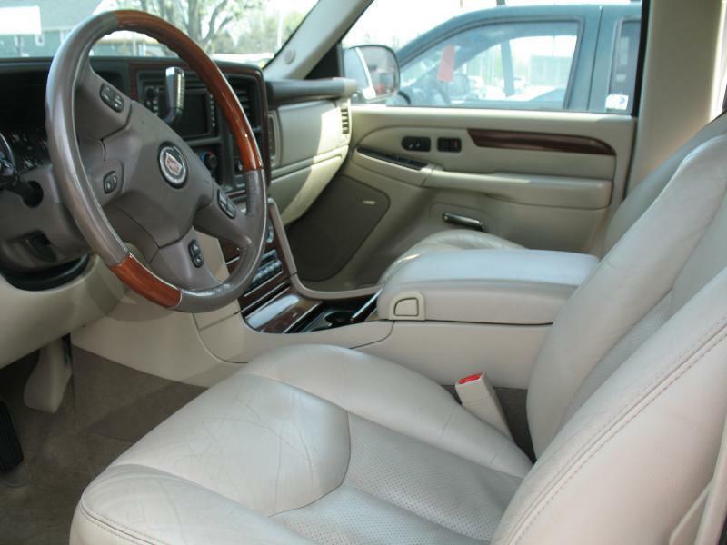 2004 Cadillac Escalade  - Kenosha WI
