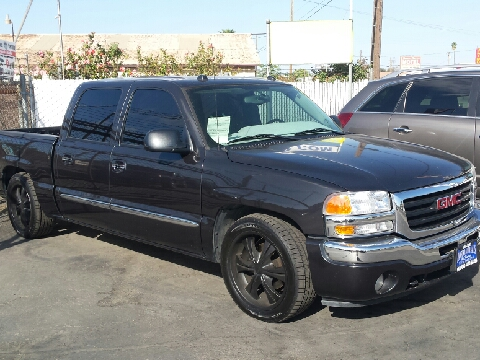 2005 GMC Sierra 1500 for sale in Hanford, CA