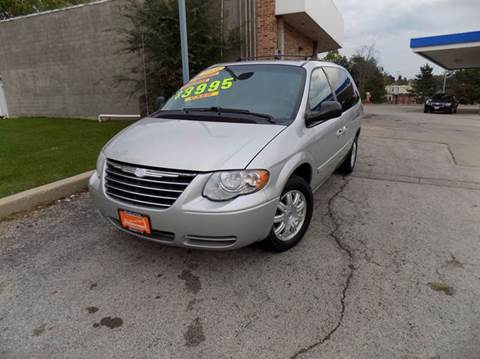 2005 Chrysler Town and Country for sale in Ingleside, IL