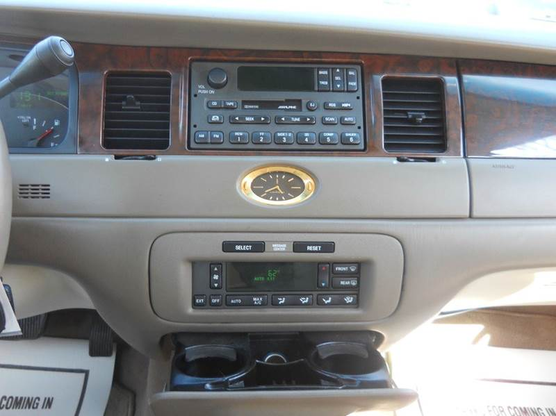 2001 Lincoln Town Car Cartier L 4dr Sedan - Senecaville OH