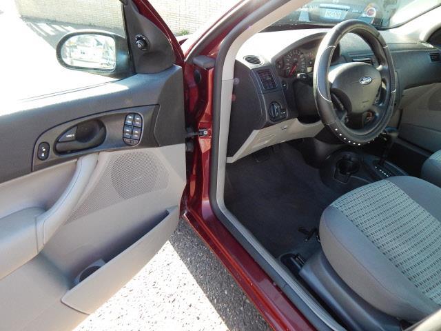 2007 Ford Focus ZX4 SE 4dr Sedan - Lindstrom MN