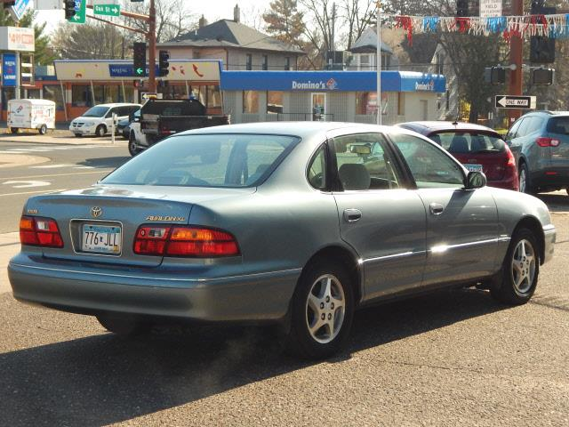 1998 Toyota Avalon XL 4dr Sedan - Lindstrom MN