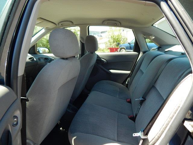 2001 Ford Focus SE 4dr Sedan - Lindstrom MN