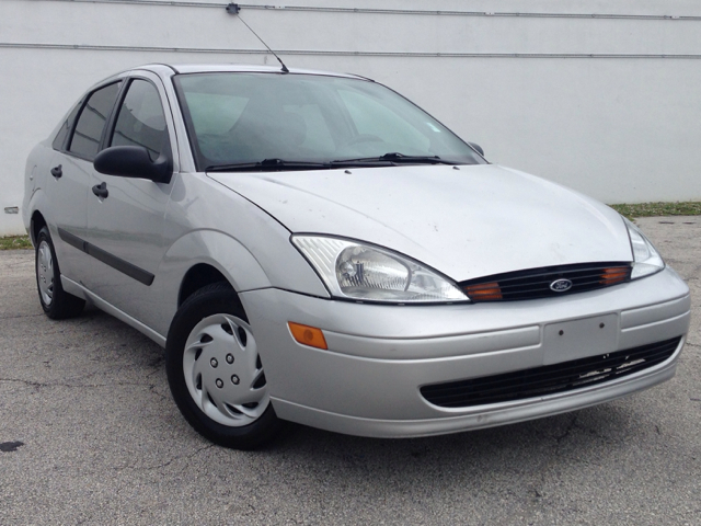 2001 FORD FOCUS LX silver selling a 2001 ford focus lx ice cold ac great car to get around t