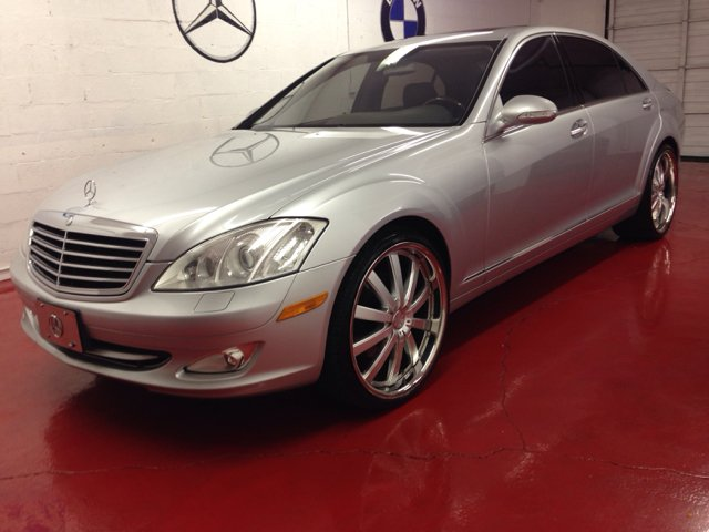 2007 MERCEDES-BENZ S-CLASS S550 silver 2500 down you drive this car home we dont care wha