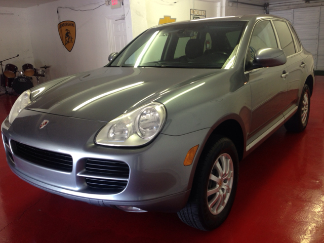 2006 PORSCHE CAYENNE black everyone is approved 1500 downclean carfax clean title one owner